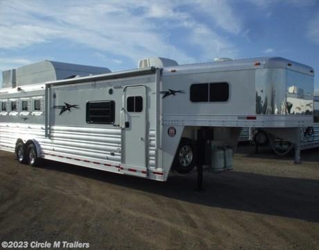 "2017 Platinum Coach Outlaw 4 Horse 13 2"" Shortwall Outlaw w Sofa Sleeper for sale"