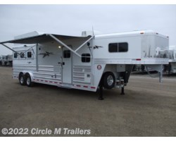 "#3431287 - 2018 Platinum Coach Outlaw 3 Horse 12' 8"" SW Outlaw SLIDE OUT w/ 72"" Sofa!"