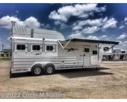 "#303108SS3 - 2018 Platinum Coach Outlaw 3 Horse 10' 8"" SW Outlaw SLIDE OUT w/ 72"" Sofa!"