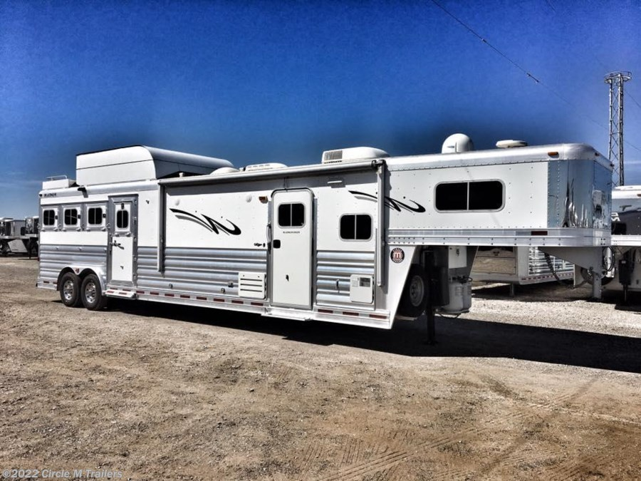 2012 Platinum Coach Outlaw 4HGN w/ 15' SW BUNK BED!!