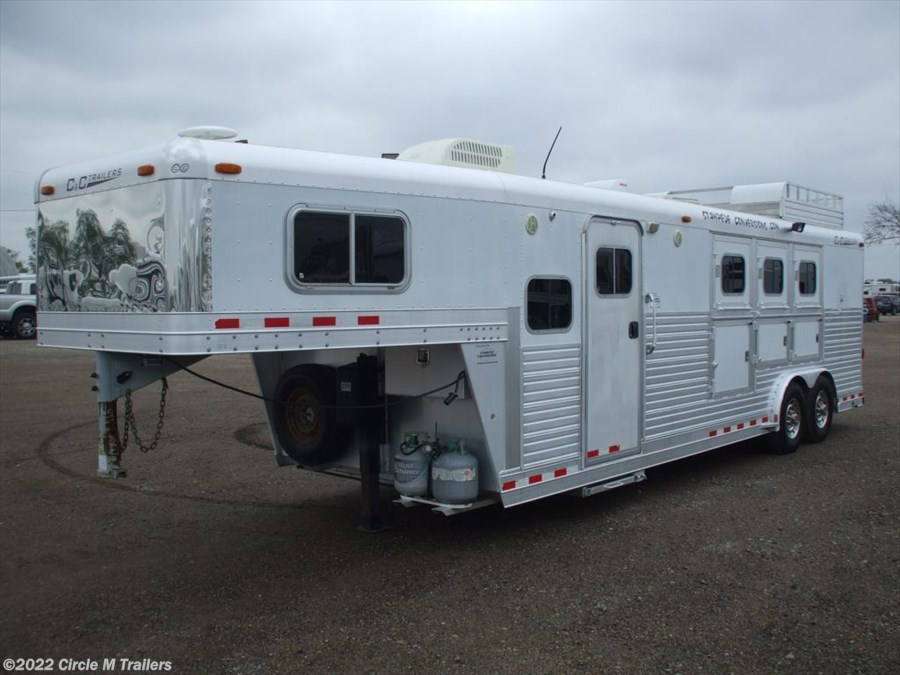 2005 C & C Trailers 3 H 11' SW COUCH AND RECLINER...SUPER CLEAN