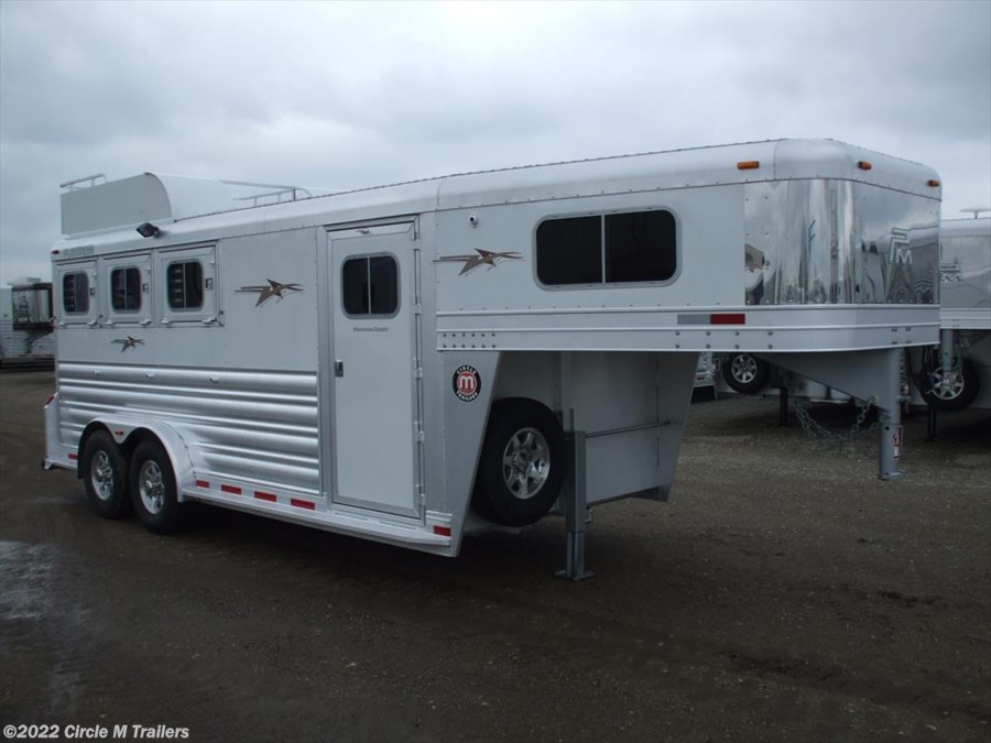 2017 Platinum Coach 3 Horse 4' Short wall with MANGERS!!!