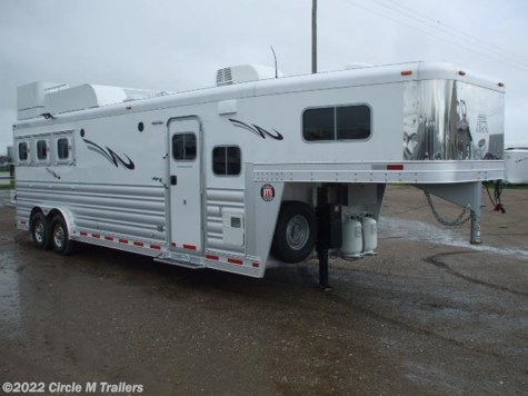 2017 Platinum Coach Outlaw  Conversions 3 Horse 11' short wall