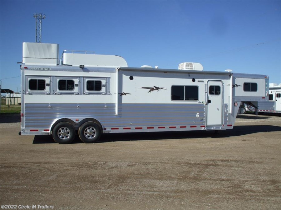"2017 Platinum Coach Outlaw 3 horse 13' 4"" Short wall"
