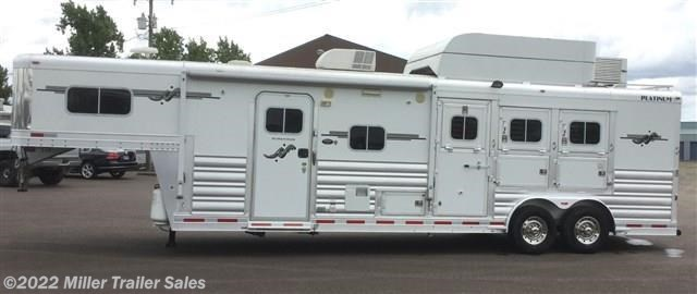 2007 Platinum Coach 3 horse with 12' Outlaw LQ