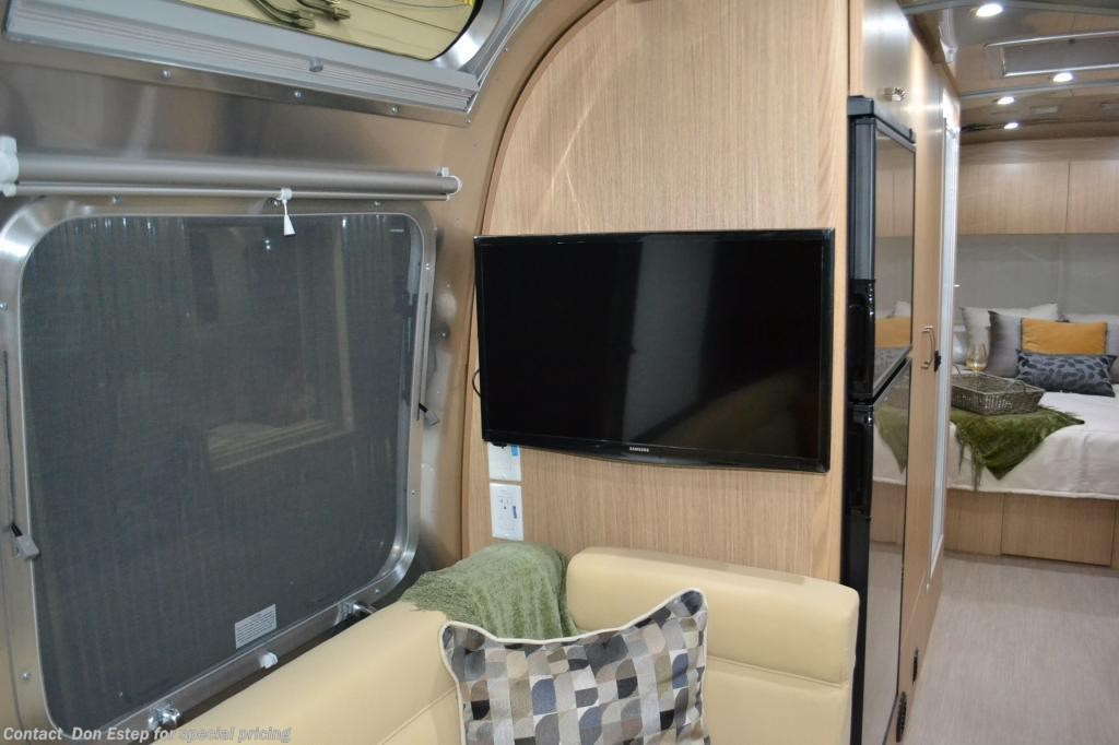 Luxury 2017 Airstream RV Flying Cloud 27FB QUEEN For Sale In ...