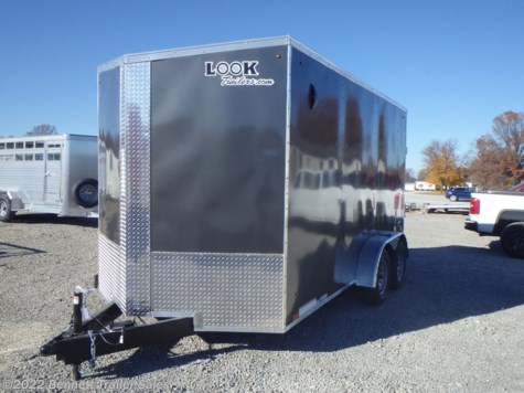 Stock Photo - Trailer will be Pewter w/Blackout package