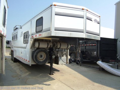 1998 Jamco Classic  3 Horse gooseneck with 6' Living Quarters