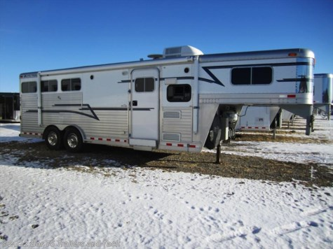 2003 Elite Trailers Slant Load  3 Horse w/8' Living Quarter
