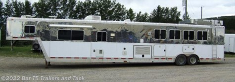 2004 Featherlite  20'Living Quarter 4 Horse Angle AIR RIDE SLIDE OUT