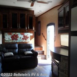 2016 Jayco Eagle 293RKDS  - Fifth Wheel Used  in Palmyra MO For Sale by Beilstein's RV & Auto call 800-748-7173 today for more info.