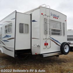 2007 Forest River Wildcat 27RL  - Fifth Wheel Used  in Palmyra MO For Sale by Beilstein's RV & Auto call 800-748-7173 today for more info.