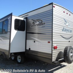 2016 Jayco Jay Flight 2016 24FBS one owner  - Travel Trailer Used  in Palmyra MO For Sale by Beilstein's RV & Auto call 800-748-7173 today for more info.