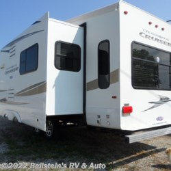 2011 CrossRoads Cruiser CF305ES  Patriot Provincial  - Fifth Wheel Used  in Palmyra MO For Sale by Beilstein's RV & Auto call 800-748-7173 today for more info.