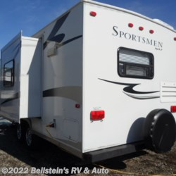 2008 K-Z Sportsmen 261RK  - Travel Trailer Used  in Palmyra MO For Sale by Beilstein's RV & Auto call 800-748-7173 today for more info.