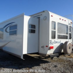 2006 Forest River Rockwood Signature Ultra Lite 8314SS  - Travel Trailer Used  in Palmyra MO For Sale by Beilstein's RV & Auto call 800-748-7173 today for more info.