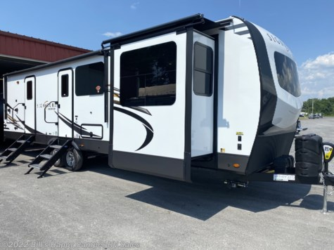 New 2021 Forest River Rockwood Signature Ultra Lite 8324SB For Sale by Bill's Happy Camper RV Sales available in Mill Hall, Pennsylvania