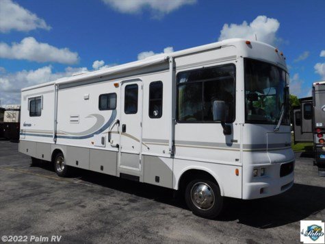 2004 Winnebago Sightseer  33L