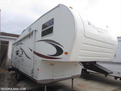 2006 Forest River Rockwood Signature Ultra Lite  8283 SS