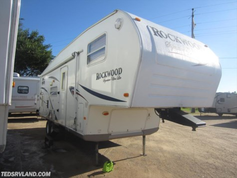 2007 Forest River Rockwood Signature Ultra Lite  8261SS