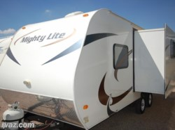 2014 Pacific Coachworks Mighty Lite 18RBS Travel Trailer with a Slide