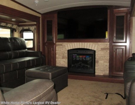 J1640 2015 Jayco Pinnacle 38flsa Front Living Room For Sale In Egg Harbor City Nj