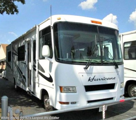 2007 Thor Motor Coach Hurricane  30Q Sofa/Bed, Dinette, Island Queen Bed