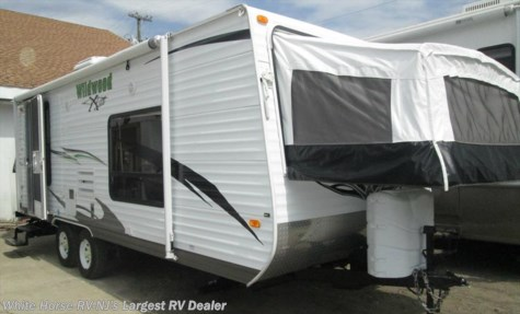 2011 Forest River Wildwood X-Lite  22EXL Sofa/Bed & Galley Slide-out