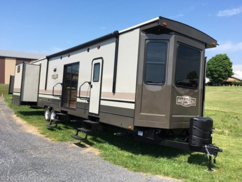 New 2017 CrossRoads Hampton 381QB For Sale by Juniata Valley RV available in Mifflintown, Pennsylvania