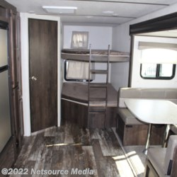 2019 Starcraft Launch Outfitter 27BHU  - Travel Trailer New  in Opelika AL For Sale by Ashley's Boat & RV call 334-246-0482 today for more info.