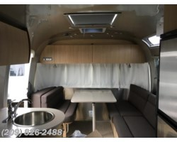 #6869 - 2017 Airstream Flying Cloud 25