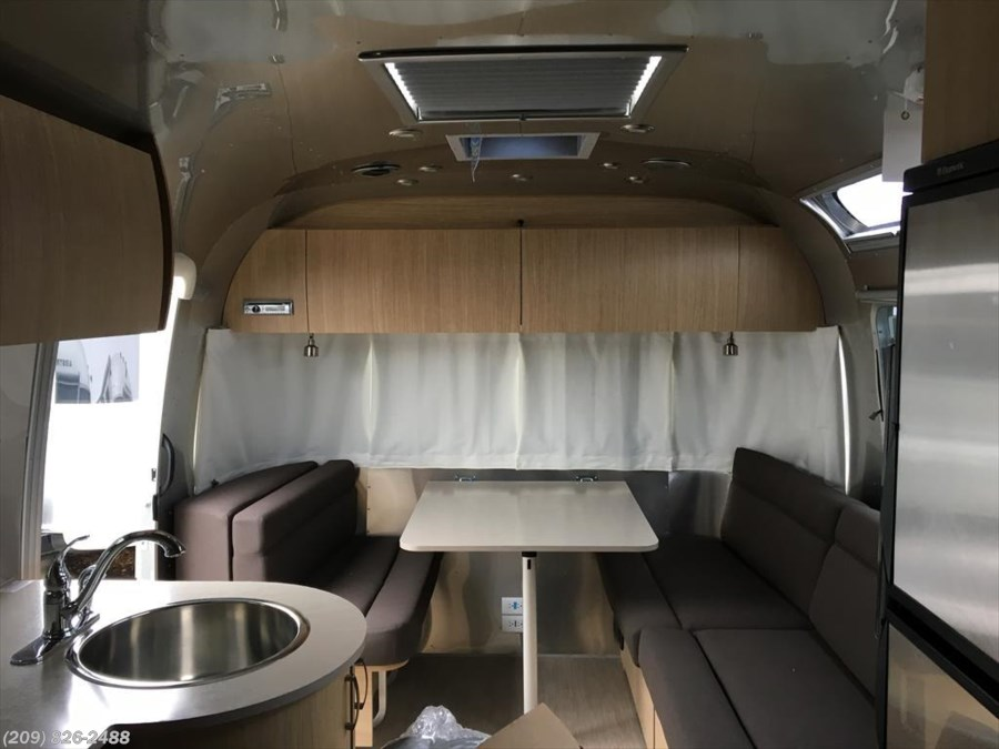 2017 Airstream Flying Cloud 25