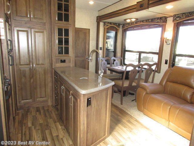 2016 Keystone Rv Avalanche 361tg 2 Bedroom 5 Slideouts 2