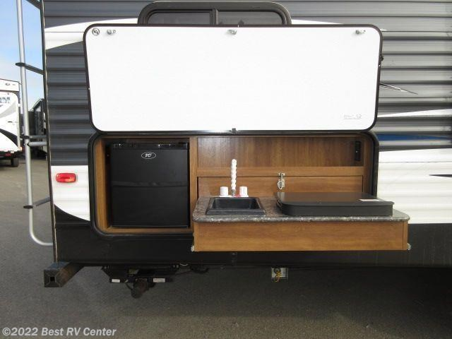 Travel Trailer With Outdoor Kitchen
