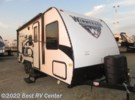 2017 Winnebago Micro Minnie 2106DS /SLIDEOUT/FOLD UP QUEEN BED