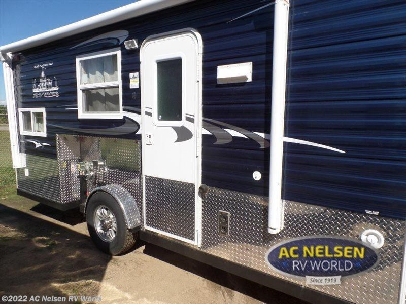 2016 ice castle rv ice castle fish houses 17rv edition for for Ice fish house accessories