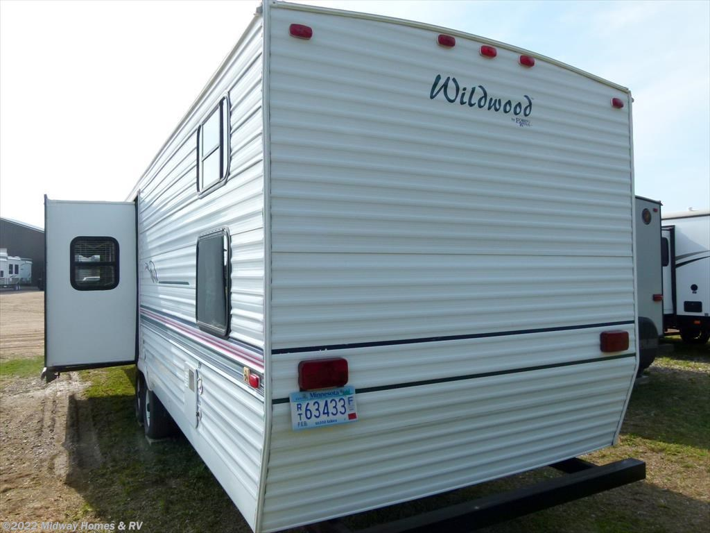 Midway Homes RV 2000 Wildwood 37BHSS Destination Trailer By Forest River