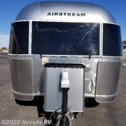 Nevada RV 2017 International Signature 27FB  Travel Trailer by Airstream | Las Vegas, Nevada