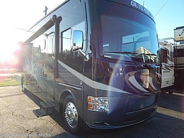 2016 thor motor coach rv outlaw 38re for sale in lake park for Thor motor coach outlaw for sale
