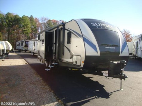 New 2017 CrossRoads Sunset Trail Grand Reserve 26 SI For Sale by Hayden's RV's available in Richmond, Virginia