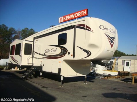 New 2018 Forest River Cedar Creek Silverback 29IK For Sale by Hayden's RV's available in Richmond, Virginia