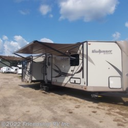 Used 2016 Forest River Rockwood Windjammer 3029W For Sale by Friendship RV Inc. available in Friendship, Wisconsin