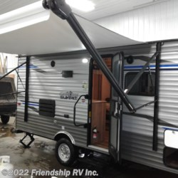 2019 Coachmen Catalina SUMMIT 172FSS  - Travel Trailer New  in Friendship WI For Sale by Friendship RV Inc. call 608-339-2300 today for more info.
