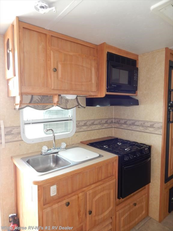 2007 starcraft rv homestead lite 282bhs two bedroom double for Kitchen cabinets 08094