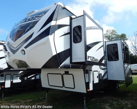 2015 Keystone Fuzion  342 Triple Slide Toy Hauler w/11' Garage