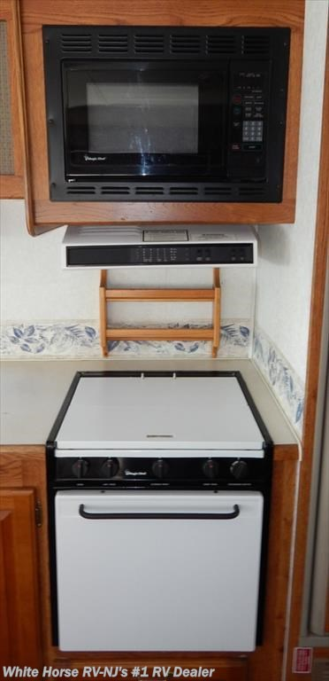 2001 forest river rv georgetown 346s single slide rear for Kitchen cabinets 08094