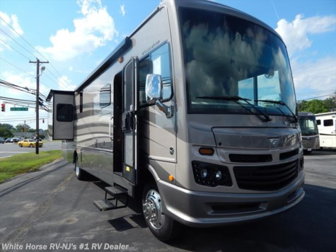 2017 Fleetwood Bounder  35K L-Lounge Bath and One Half