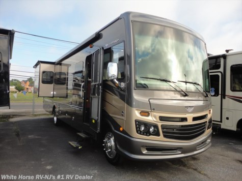 2017 Fleetwood Bounder  35K L-Lounge King Bed Bath and a Half