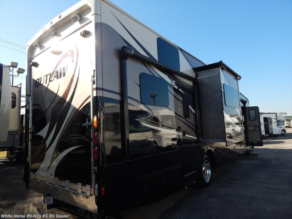 2013 thor motor coach rv outlaw 37md double slide toy for Motorized toy hauler rv for sale