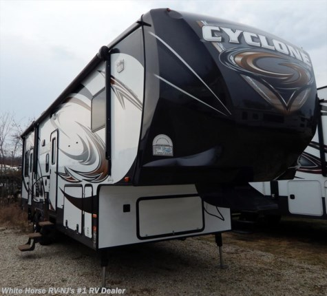 2014 Heartland RV Cyclone  CY 3100 Queen Bed, Double Slide-out